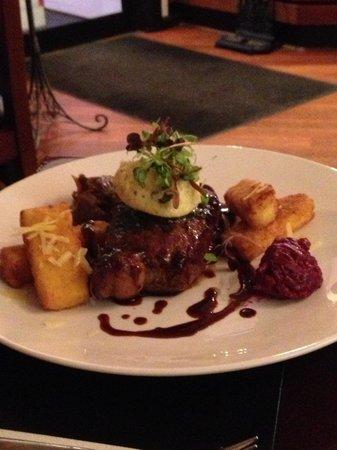 Fusion Restaurant Cafe & Bar: Main - beef steak