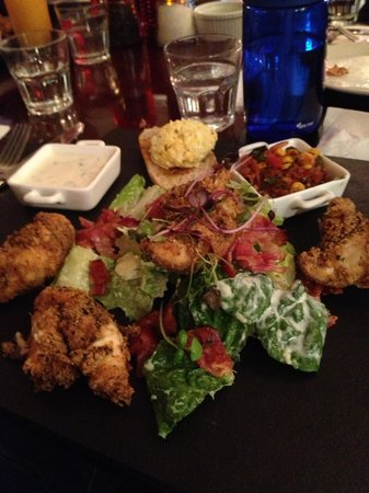 Fusion Restaurant Cafe & Bar: Main - Chicken salad