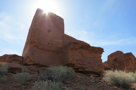 Wupatki National Monument: sun over pueblo
