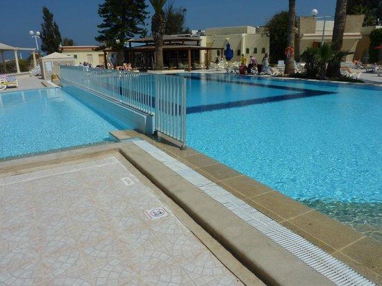 Hotel Abou Sofiane : Pool