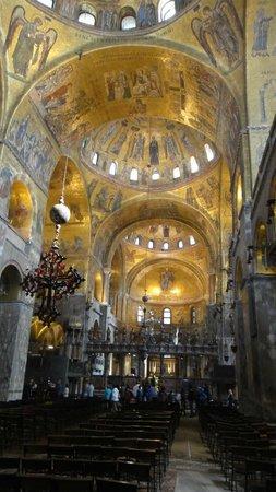 Basilique Saint-Marc : inside