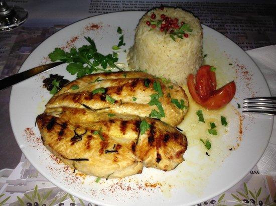 Pelekanos : Chicken with rice