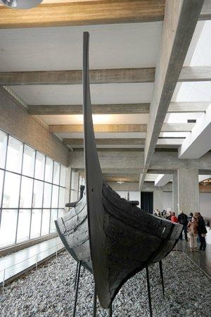 Musée des navires vikings de Roskilde : In der Museumshalle
