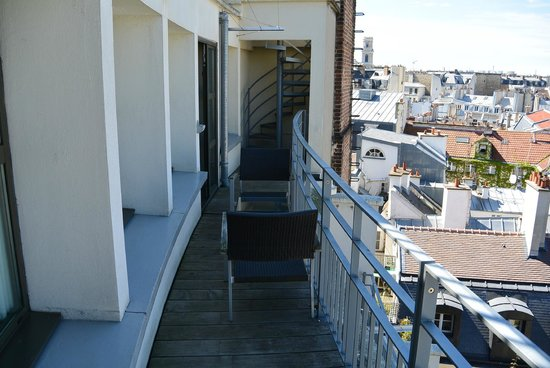 Holiday Inn Paris - Notre Dame : 804 balcony