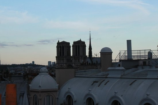 Holiday Inn Paris - Notre Dame : view from roof top
