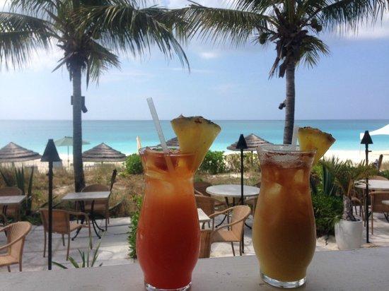 Sibonne Beach Hotel: Drinks at Bay Bistro