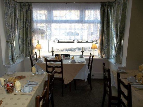 Chantry Villa - Skegness: dinning room