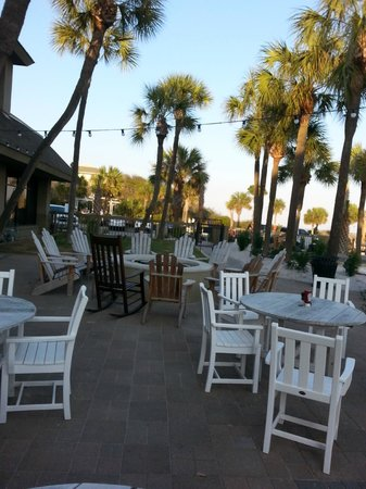 Beach House, A Holiday Inn Resort : Pool Side Seating and Firepit