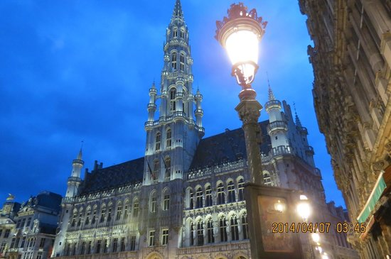 Grand Place/Grote Markt: 夜のグランプラス