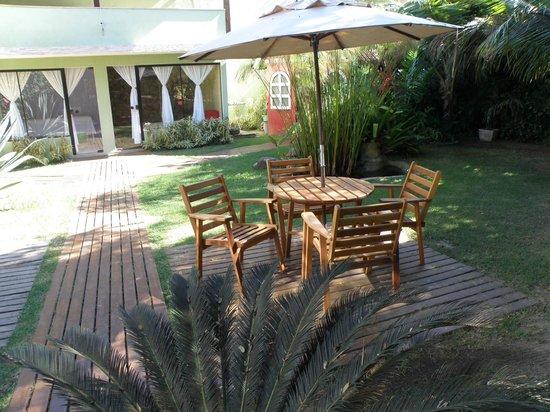 Pousada Bon Vivant: Jardim aconchegante