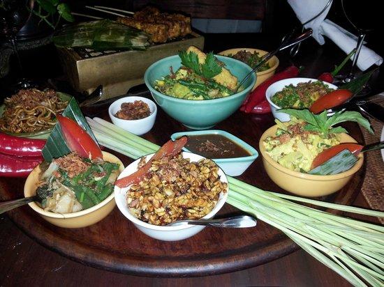 Bumbu Bali: vegetarian set meal