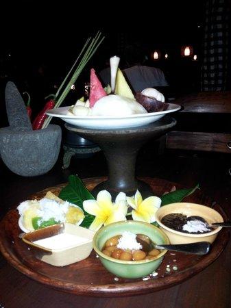 Bumbu Bali: fruit dessert