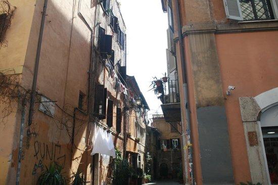 Trastevere : Alley