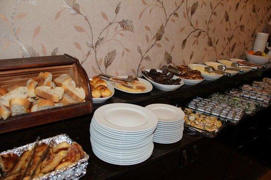 Adora Hotel : breakfast