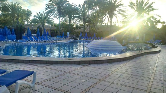 Hotel Dunas Suites and Villas Resort: Pool in the morning