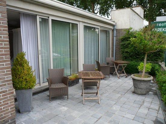 Karekietenhof : La terrasse de la chambre