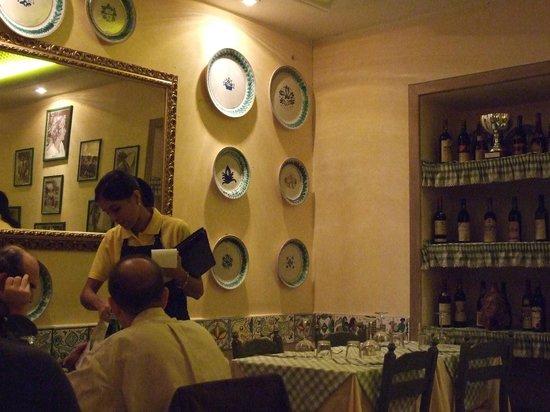 Siciliainbocca in Prati : nefis bir dekorasyon