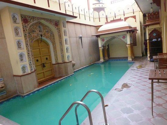 Umaid Mahal: Small swimming pool
