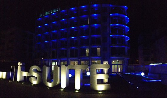 i-SUITE Design Hotel: L'ingresso...