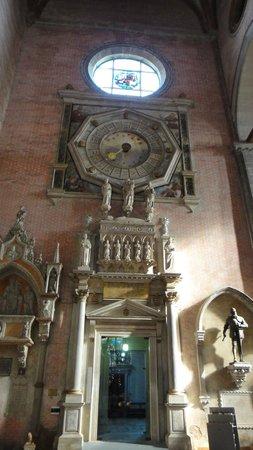 Basilica dei Santi Giovanni e Paolo (San Zanipolo): the clock