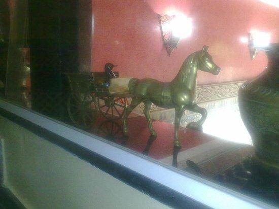 Hotel Bab Boujloud: Деталь интерьера
