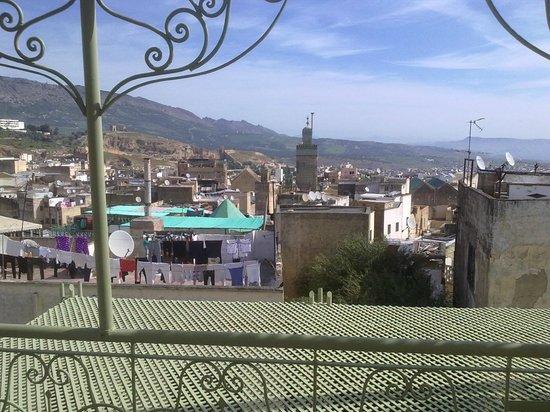 Hotel Bab Boujloud: Вид на Медину с террасы