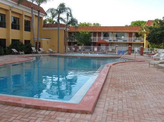 Quality Inn & Suites Conference Center: Pools