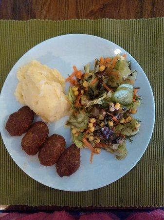 Zeytin Cafe ve Ev Yemekleri : püreli köfte