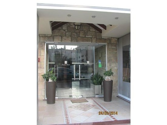 Pyramos Hotel: Entrance