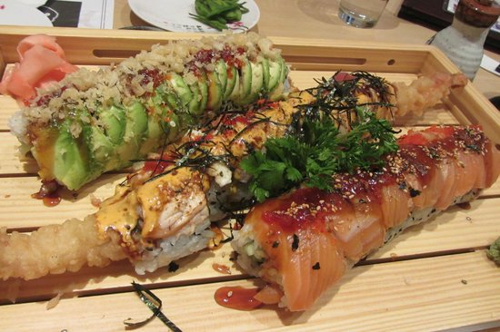 Mi-Ne Japanese Restaurant: Caterpillar, Torch Rainbow Dragon & SSC (Signature Maki Rolls)