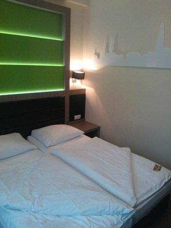Novum Style Hotel Hamburg-Centrum: Standard Room (Faced Bathroom)