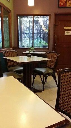 Greens Vegetarian Restaurant and Cafe : Greens Vegetarian Restaurant