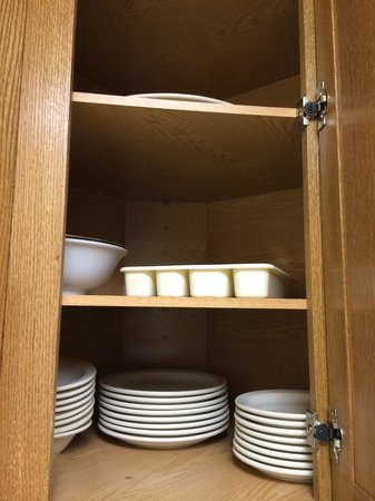 Cove of Lake Geneva : Dishes and the cutlery