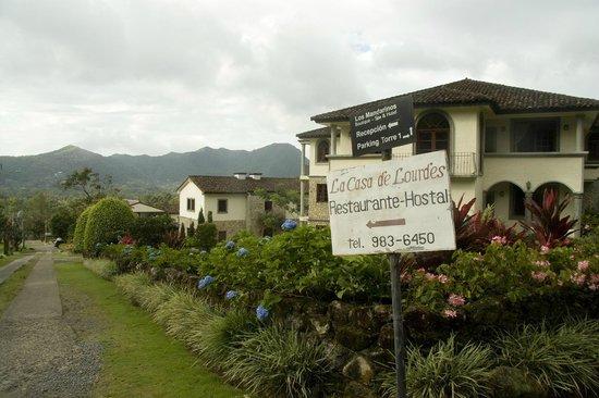 Hotel Residencial El Valle: Toegangsweg hotel