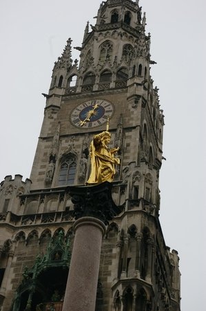 Marienplatz: Detalhe da Torre