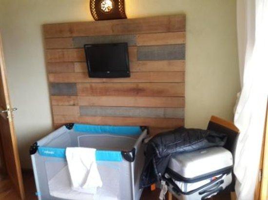 Lirolay Suites : Habitacion