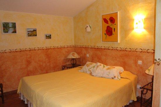 Le Mas Destonge : Van Gogh Room