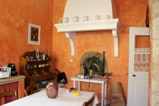 Le Mas Destonge : Kitchen