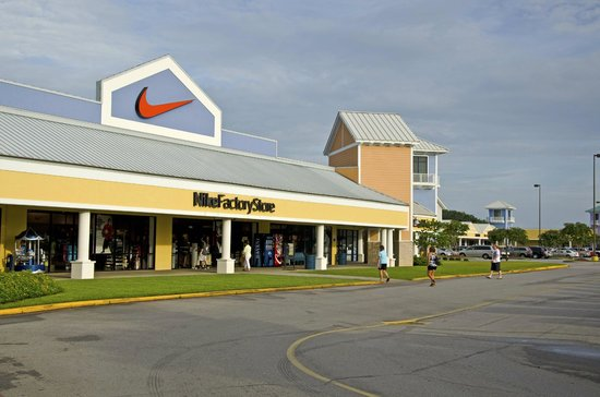 Get Deal Tanger Outlets in Foley is located near the beach and has over brand name manufacturers and designer outlet stores, a food court and center-wide events year round. Along with great shopping choices, visitors can get money-saving coupons for select outlet stores.