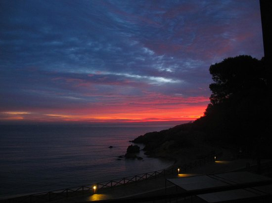 Hostal Spa Empuries: L'alba dalla camera