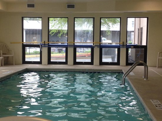 Comfort Inn & Suites at Stone Mountain: Indoor pool