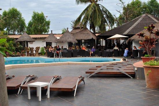 Bakotu Hotel: Pool area