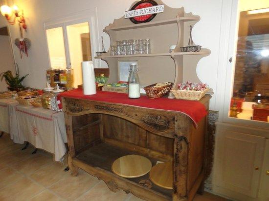 Hotel Louise de Savoie : BUFFET DEJEUNER