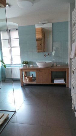 Pension Athanor: bathroom