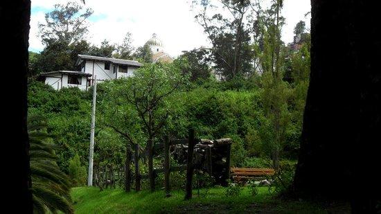 Urban Adventures Quito: Parque de Guápulo - vista de la vecindad