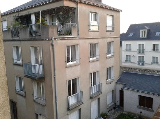 Hotel Louise de Savoie : LES ALENTOURS ARRIERE