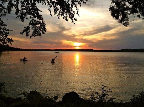 Heston's Lodge: sunset kayers on Gunflint Lake.