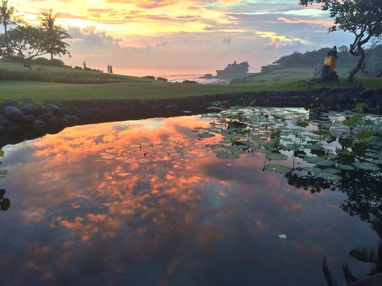 Pan Pacific Nirwana Bali Resort : Sunset view from restaurant