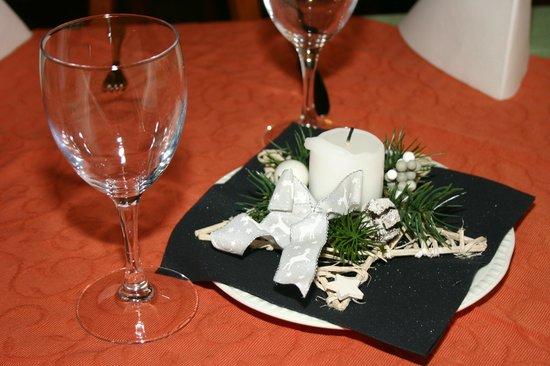 Surava, Schweiz: Festlicher Tisch