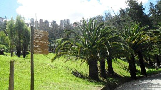 Urban Adventures Quito: Parque de Guápulo - señalización